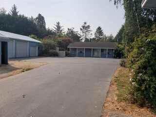 MLS# 210403 Address: 3101 lake earl Drive